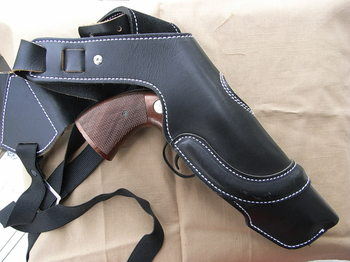 Shoulder_holster_4in_06